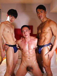 asiatische manner nake