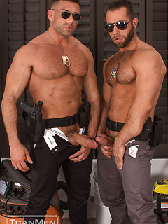 GAY PORN ROUGH TRAFFIC COPS